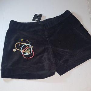 Hue brown courdaroy shorts. Size Medium